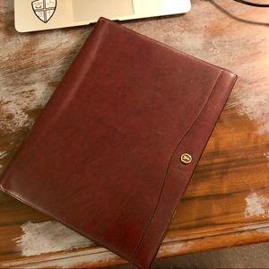 Great leather note pad for the business man!